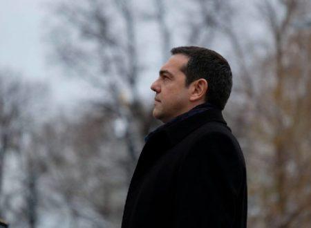 """Giornalista greca: """"Tsipras traditore, Grecia distrutta da UE. Soros acquista 25.000 case e Germania guadagna sui biglietti del Partenone. Sono dei criminali"""""""